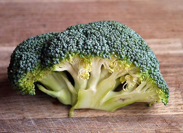 bông cải xanh là thực phẩm ít calo