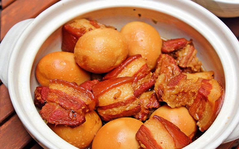 Thịt kho hột vịt là 1 trong những món ngon ngày Tết