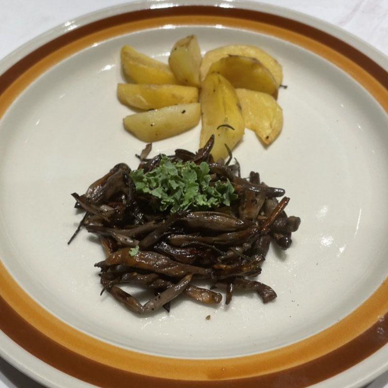 Cách chế biến Nấm Mối đút lò khoai tây bi